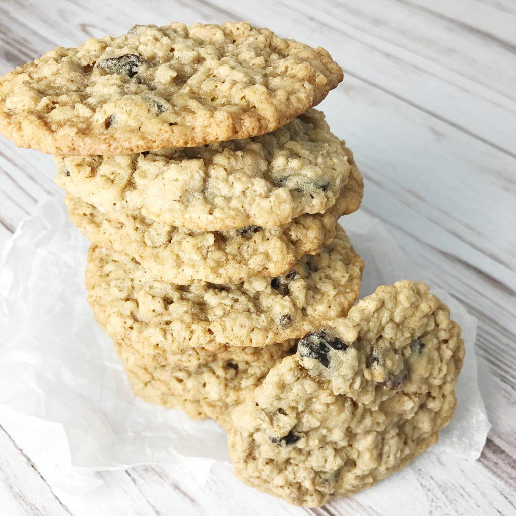 Oatmeal Raisin Cookie Cake